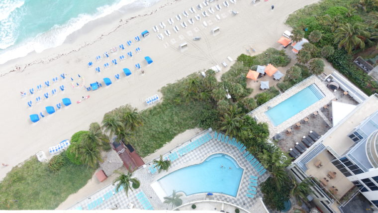 Strand, Pools, Strandliegen, Miami